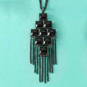 Necklace_Midnight_Medallion_1804